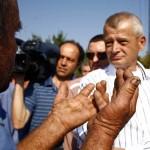 "DOCTORUL OPRESCU se lanseaza azi in campania pentru castigarea functiei supreme in stat. Eu zic sa fie perpetuata traditia prezidentiala ""escu"" :)"