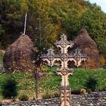 Ungurii, ieri ca si azi. DOCUMENT: De Sfântă Mărie Mare, la Sisesti a fost interzisă sfinţirea Troiţei (1896). Autorităţile UDMR vor dărâmarea Troiţei ortodoxe de la Zăbala (2010)