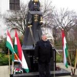 Viktor Orban il instaleaza pe Szocs Geza – fost spion al Securitatii Republicii Populare Ungare si militant pentru smulgerea Transilvaniei – in Guvernul de la Budapesta. UM 0110 despre Tokes si Geza, tovarasul lui Tismaneanu. Plus: Un Video de  la Asociatia fostilor si viitorilor soti ai lui Gal Kinga