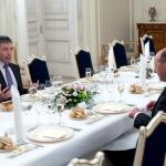 Seful NATO la Universitatea Bucuresti: NATO este atacat de hackeri de 100 de ori pe zi. FOTO de la cina cu Basescu pe Facebook. Seful CSI, Medvedev, pentru Izvestia: Exista sansele unui al treilea razboi mondial. VIDEO-INTERVIU