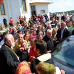 Credinciosii din Vrancea fac miting de protest in fata Arhi- episcopiei Buzaului si Vrancei pentru sustinerea Parintelui Macarie de la Poiana Marului. SCRISOAREA DESCHISA a miilor de credinciosi catre IPS Epifanie de Sf Mc Teoctist