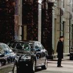 "Unde a stat Filat la Moscova. Imediat dupa decretul lui Ghimpu din 28 iunie, premierul de la Chisinau a plecat ""intr-o vizita privata"" in Rusia si s-a cazat la Ritz, unde apartamentul costa pe zi cat salariul mediu pe 6 luni in Moldova"