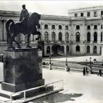 Ca sa-si spele imaginea de demolatoarea lui Mihai Viteazu, Apolodor, compania preferata a lui Oprescu, il ridica pe Carol. Tot ilegal