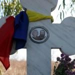 Tineri basarabeni.ro in memoriam la crucea lui Doina si Ion Aldea Teodorovici Oct 2010
