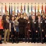 Tinerii Basarabiei la Parlamentul European cu Elena Basescu. PLUS: Ce cadou i-au facut fetele Basarabiei presedintelui Mihai Ghimpu de ziua lui. FOTO
