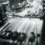 Batranul si steagul. 21 Decembrie 1989