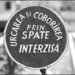 """Conu' Dinu Lazar si una dintre aporiile de zi cu zi ale regimului comunist. Mare atentie si la """"prelungirea duratei"""". FOTO NO COMMENT"""