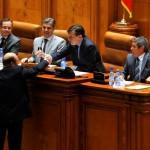 Basescu, pro si contra: Prof Corneliu Turianu despre ping-pong-ul cu Referendumul si Catalin Mihuleac despre crocodilul CT Popescu si puţoiul opărit MR Ungureanu. Spune-mi cu cine te-nsotesti ca sa-ti spun cine esti…
