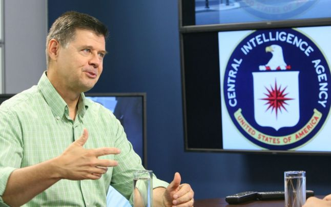 Larry Watts despre Pacepa KGB cu sigla CIA - Foto Eduard Enea - Adevarul via Ziaristi Online