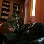 Lech Walesa catre Ambasada SUA de la Bucuresti: Tineti-va homosexualii si trisexualii in lesa, in buncarul din Baneasa (*)