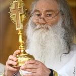Părintele Justin Pârvu nu a murit. Cerul s-a împodobit cu încă un mare Sfânt român mărturisitor, conducător al cetelor de sfinţi mucenici ai închisorilor comuniste. Hristos a înviat!