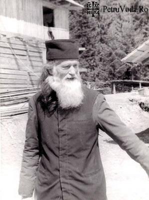 Parintele Justin Parvu in 1992 - PetruVoda.Ro