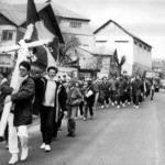 VIDEO INEDIT. Parintele Staniloae vorbind despre romani si dusmanii Romaniei tinerilor care au purtat Crucea de la Chisinau la Bucuresti in 1992. DRUMUL CRUCII Basarabiei si rugaciunea Parintelui Galeriu in Piata Universitatii 1990