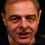 Băsescu, omul cu o mie de feţe, faţă cu una din feţele sale: Laszlo Tokes. Eroul post-mortem Trosca dezonorat, agentul veneric Tokes aparat