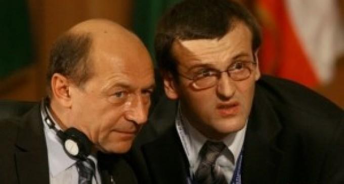 Traian Basescu - hidrocefalul Cristian Preda