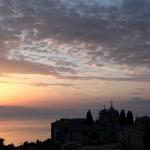 Rasaritul, clopotele si sacalii la Manastirea Romaneasca Prodromu de la Sfantul Munte Athos. VIDEO