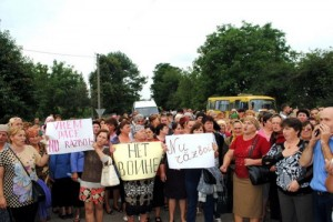 protest-romanii-ucraina-herta-razboi-2014