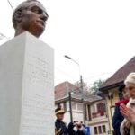 """62 de ani de la moartea martirică a lui Mircea Vulcănescu. Doamna Măriuca Vulcănescu: """"Tata a vrut să se facă preot sau să se călugărească"""". VIDEO Exclusiv Ziaristi Online"""