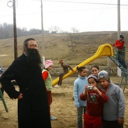 Parintele Nicolae Tanase - Valea Plopului